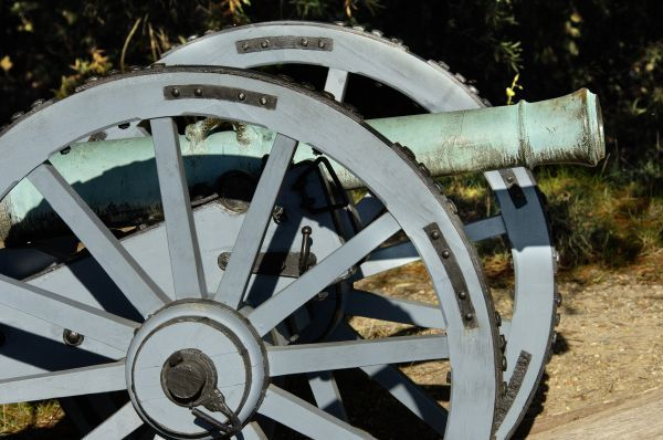 "Revolutionary War French cannon called ""the Fox"" at Yorktown battlefield, Virginia. Digital photograph of a National Park Service living history event at Yorktown Battlefield on the 225th anniversary of the surrender"