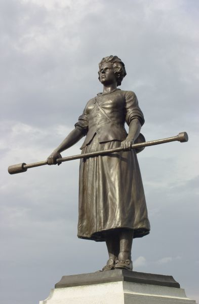 Molly Pitcher statue marking the grave of Mary McCauley in Carlisle, Pennsylvania. Digital photograph